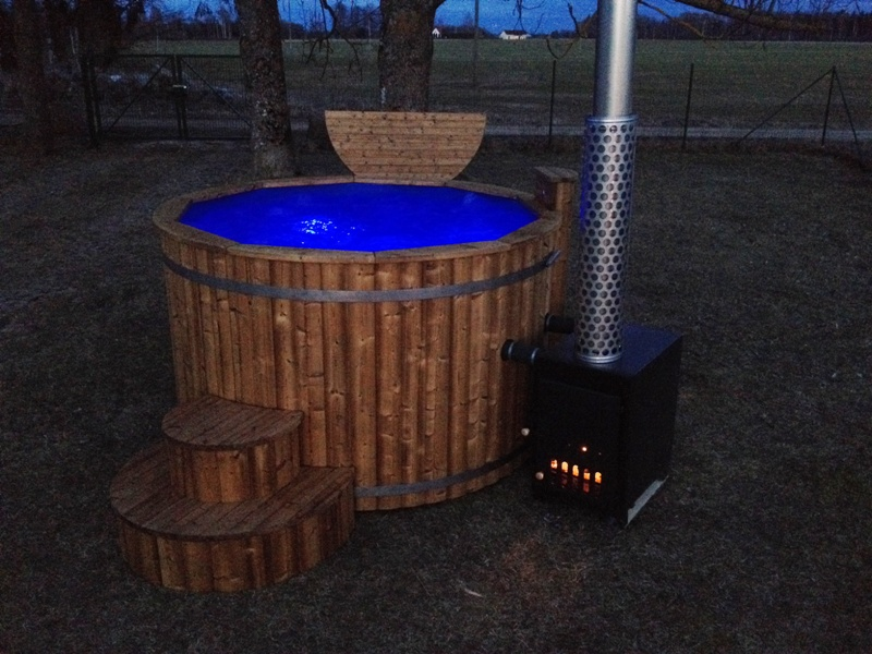luxurious wooden hot tub bubble jet system led lights. Black Bedroom Furniture Sets. Home Design Ideas