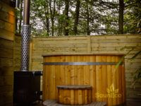 Hot tub and barrel sauna review for Sauneco
