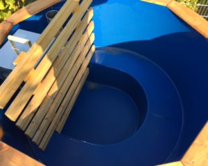 Wooden hot tubs with fibreglass liner